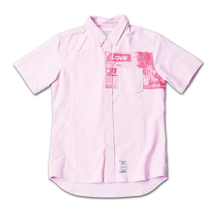 胸ポケット下にフォトプリント『Oxford Photo Print S/S BD Shirt』--『Blue. Vol.46』,『STANDARD with UNIQUE』記事掲載商品 #2_Pink